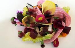 Salade de betteraves aux gésiers confits et à la truffe noire