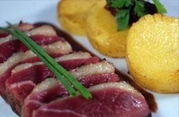 Magret de canard au miel, vinaigre balsamique et sa polenta
